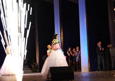 В Каменском провели конкурс «Пани ДМК.Доброта.Молодость.Любовь» Днепродзержинск