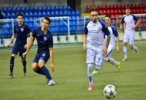 Крайнюю игру 2017 года «Сталь U-21» г. Каменское выиграла  Днепродзержинск