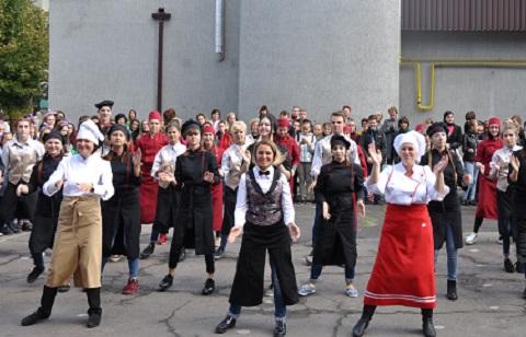 В Каменском прошла торжественная церемония «Посвящение в рабочий класс» Днепродзержинск