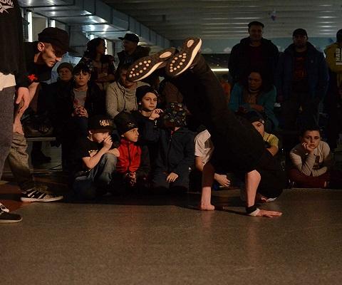 Мастера уличных танцев провели встречу в Каменском Днепродзержинск