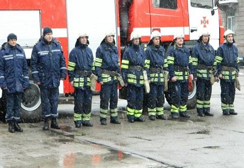 Спасателям Каменского передали новую машину для тушения пожаров Днепродзержинск