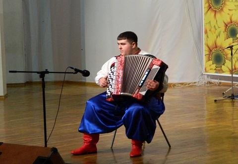 Спасатели Каменского показали таланты на смотре художественной самодеятельности Днепродзержинск