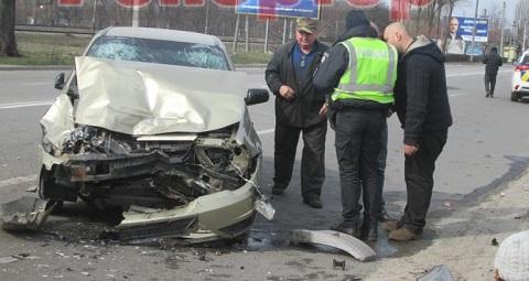 На Юбилейном проспекте в г. Каменское «Газель» столкнулась с «Daewoo» Днепродзержинск