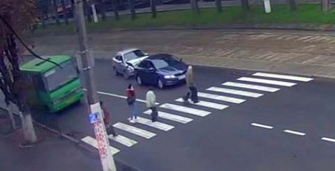 Дорожное происшествие в центре Каменского Днепродзержинск