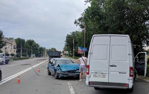 В Каменском в результате ДТП пострадал водитель Mitsubishi  Днепродзержинск