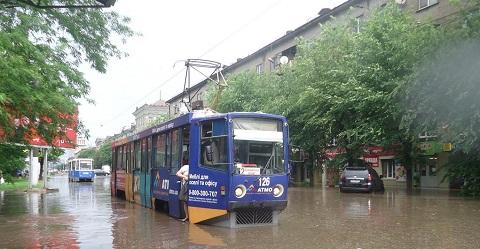 Ливень подтопил центр Каменского Днепродзержинск