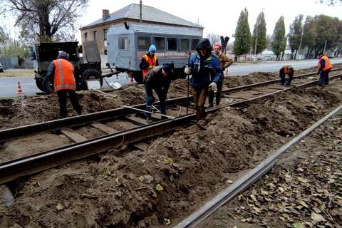 КП «Транспорт» г. Каменское завершил ремонтные работы на важном участке трамвайных путей Днепродзержинск