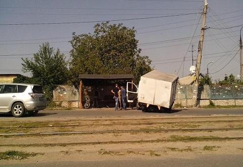 В Каменском хлебовозка таранила столб Днепродзержинск