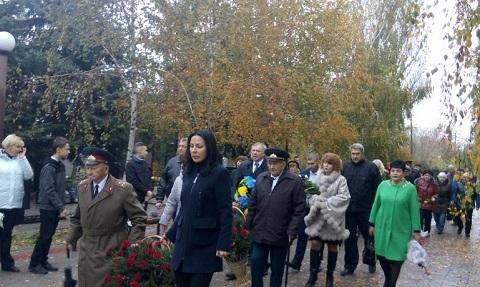 На воинском кладбище Каменского прошла церемония возложения цветов Днепродзержинск
