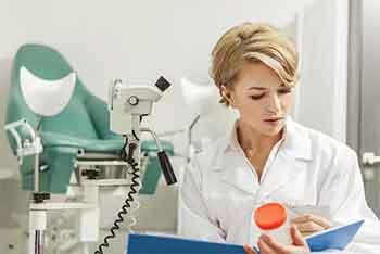 В отпуск – через кабинет гинеколога. Советы женщинам перед летними отпусками. Днепродзержинск
