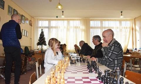 Шахматисты г. Каменское провели трехдневный турнир Днепродзержинск