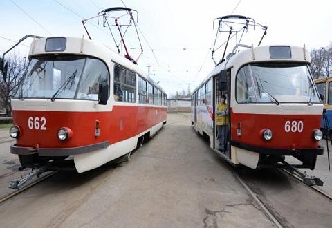На трамвайные маршруты Каменского вышли вагоны после капремонта Днепродзержинск