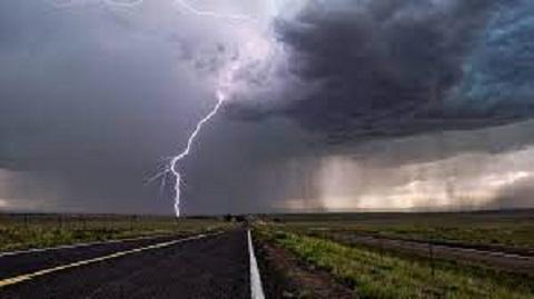 Каменчан предупреждают о возможности сильной грозы и ветра Днепродзержинск
