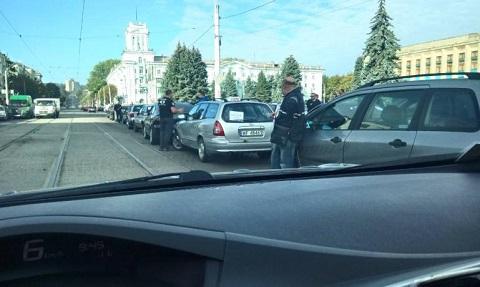 Каменские водители присоединились к акции «Байкот цен на топливо» Днепродзержинск