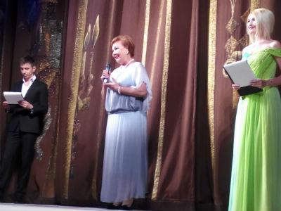 Каменкой театр ушел на каникулы Днепродзержинск