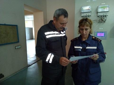 Каменские спасатели провели инструктаж работников «ДМК» Днепродзержинск