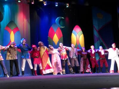 В Каменском театре показали сказку «Бременские музыканты» Днепродзержинск