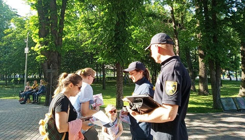 Каменские спасатели рассказали горожанам о подозрительных и взрывоопасных предметах Днепродзержинск