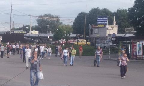 Службы правопорядка и спасатели Каменского провели эвакуацию людей с вокзала Днепродзержинск