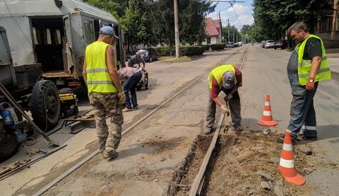 По улице Москворецкая в г. Каменское проводят срочные ремонтные работы Днепродзержинск