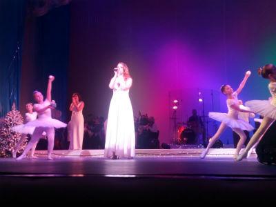 Ангелы на сцене каменского театра Днепродзержинск