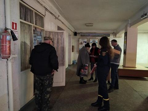 В экономическом колледже г. Каменское провели эвакуацию студентов Днепродзержинск