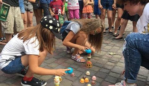 Каменчане отпраздновали День Конституции в Центральном парке города Днепродзержинск