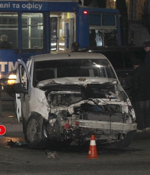ДТП с пострадавшей у трамвайной остановки в Каменском Днепродзержинск