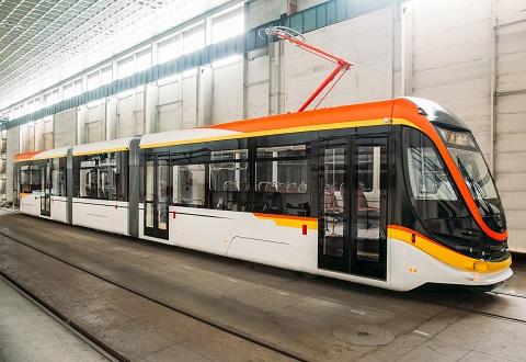 На дорогах Каменского проходит тестовое испытание новый трамвай Днепродзержинск