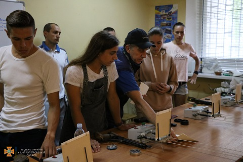 Спасатели Днепропетровщины приняли участие в соревнованиях по полиатлону Днепродзержинск