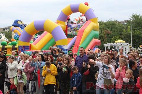 В Каменском ко Дню города открыли Левобережный парк Днепродзержинск