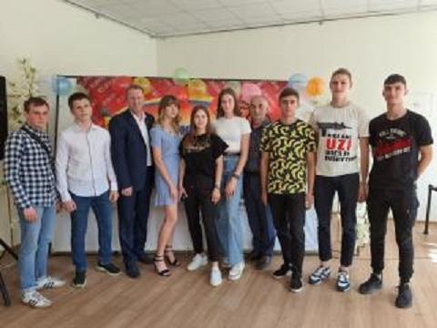 В Каменском поздравили выпускников ДЮСШ № 3 Днепродзержинск