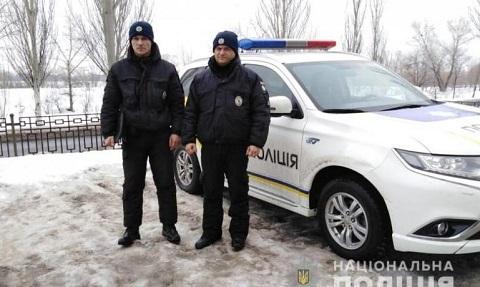 Полицейские г. Каменское  спасли пенсионера от переохлаждения  Днепродзержинск