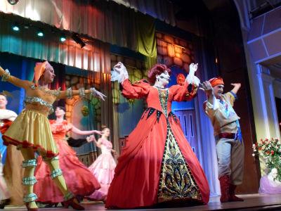 Международный женский день в каменском театре Днепродзержинск