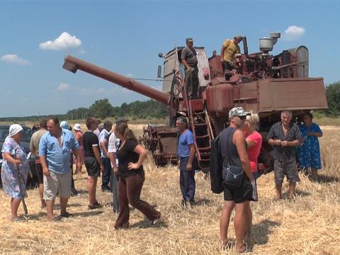 Подробности попыток рейдерского захвата земли и урожая в Курировке (ВИДЕО) Днепродзержинск