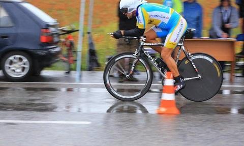На велосоревнованиях гонщик из Каменского занял второе место Днепродзержинск