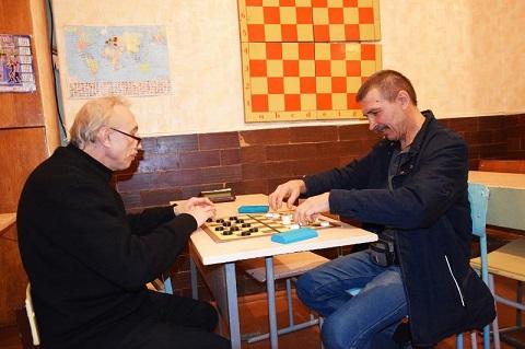 В Каменском завершается марафон по шашкам-64 Днепродзержинск
