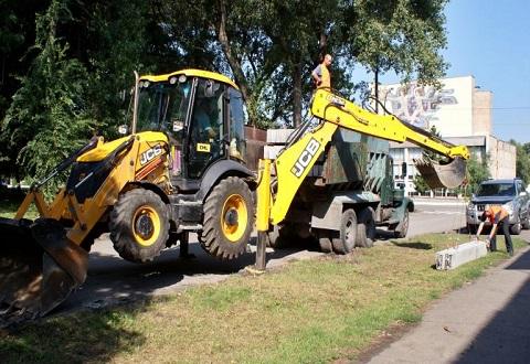 На ул. Менделеева в Каменском приступили к капитальному ремонту дороги Днепродзержинск