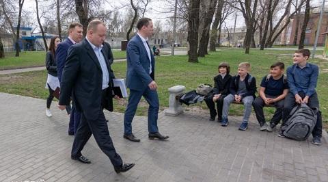 Мэр города Каменское  провел очередной объезд территории Днепродзержинск