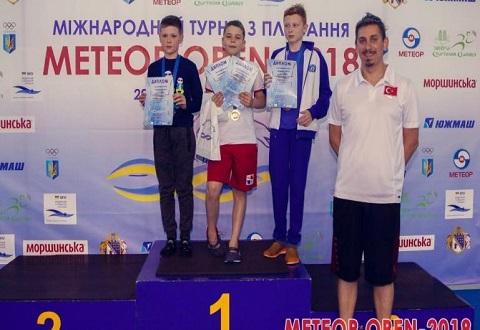 Каменчане стали первыми на международном турнире по плаванию Днепродзержинск
