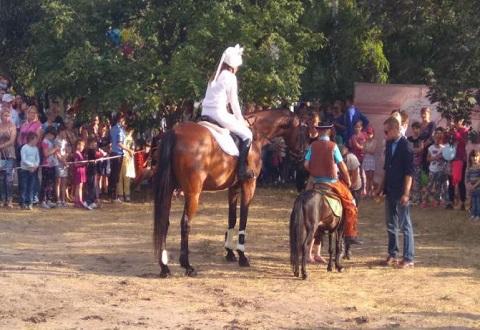 Конный клуб в Каменском отпраздновал день рождения Днепродзержинск