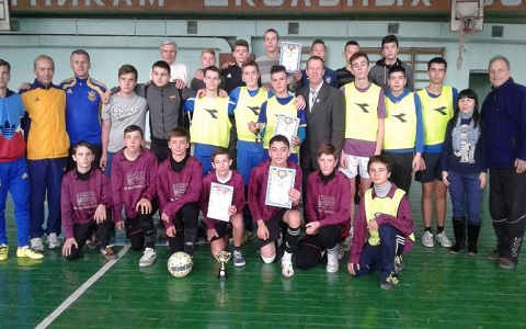 Школьные команды Каменского завершили чемпионат города по мини-футболу Днепродзержинск