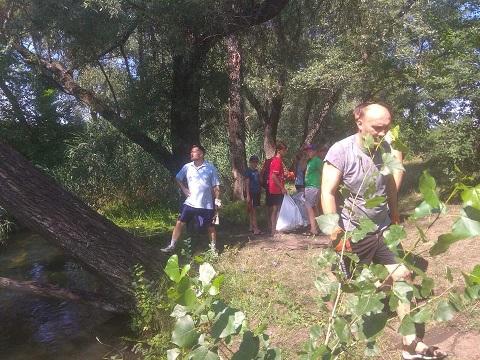 Активисты г. Каменское провели очистку дренажного канала Днепродзержинск