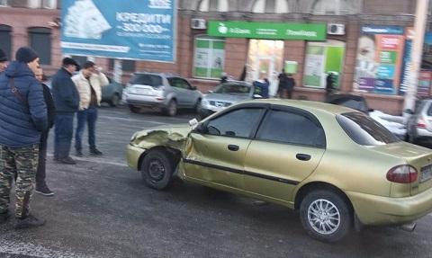 В центре г. Каменское произошла авария Днепродзержинск