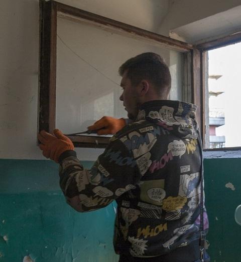 В Каменском продолжают утеплять подъезды Днепродзержинск
