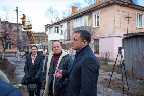 В Каменском реализуют программу по восстановлению наружного освещения Днепродзержинск