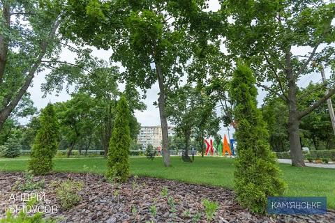 В Каменском продолжается реконструкция Левобережного парка Днепродзержинск