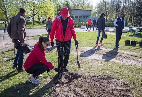 Общегородской субботник помог преобразить территорию Днепровского района г. Каменское Днепродзержинск