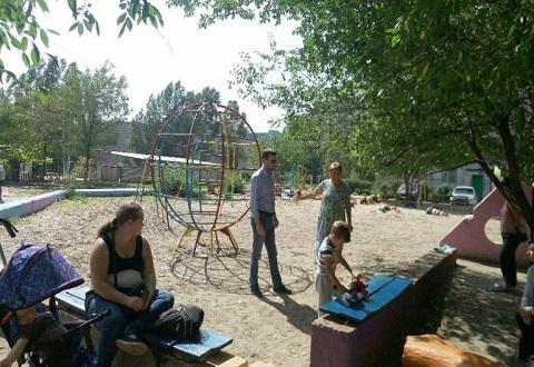 На левобережье Каменского реконструируют спортивную площадку Днепродзержинск