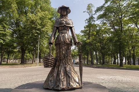 В Каменском завершили первый этап реконструкции Центрального сквера Днепродзержинск